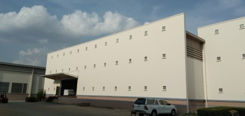 ช่างทาสี โรงงาน9