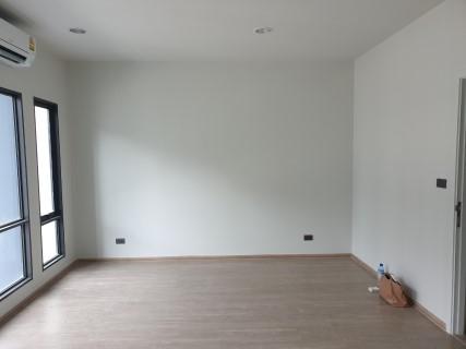 ช่างทาสีห้อง 1